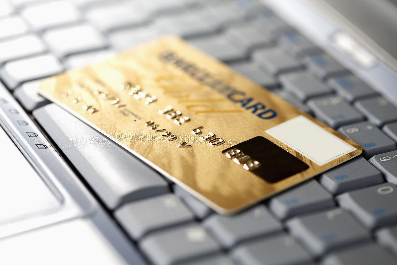 קורא כרטיסי אשראי מגנטי – נוחות קנייה שתגדיל את המכירות